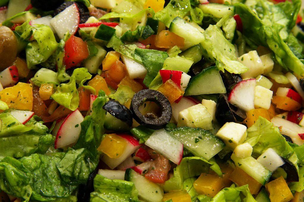 Sałatka włoska z sosem francuskim