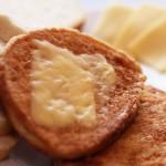 Chleb na jajku (z serem)