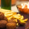 Bardziej miękka i soczysta wersja arabskiego falafela.