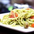 Prosty włoski obiad, który może zupełnie różnie smakować zależnie od tego czy wybierzemy dobre składniki.